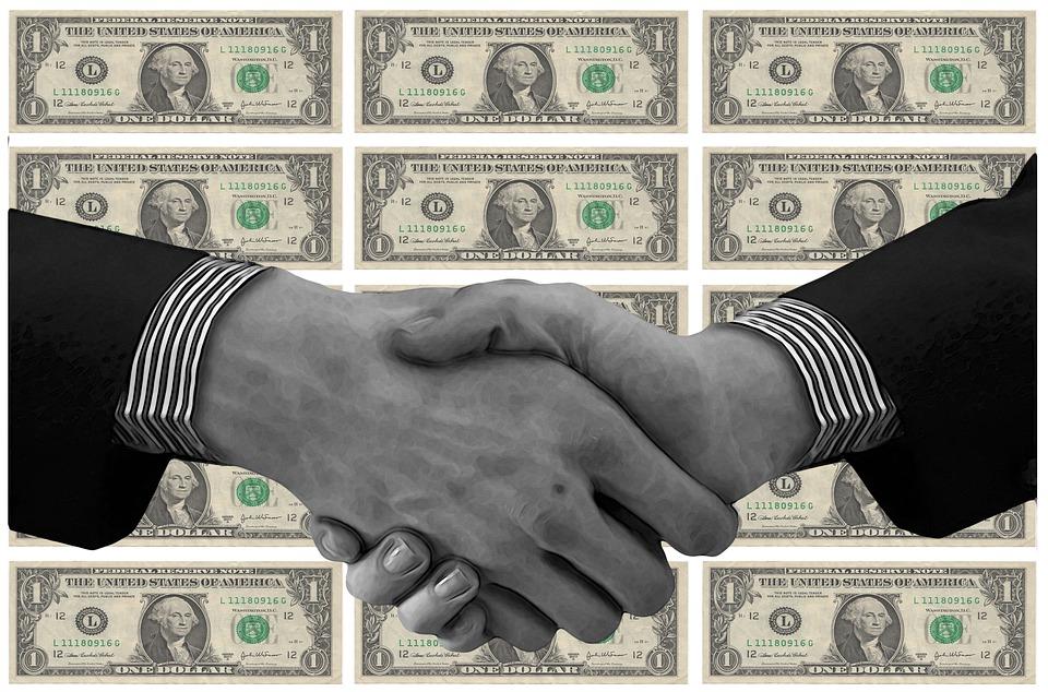 債務整理(任意整理)検討中の方必見!!メリット・デメリットや費用の相場とは?