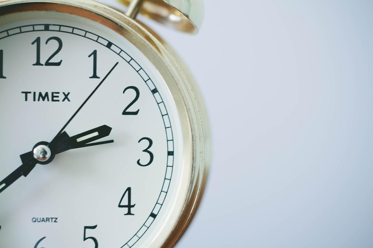 【空き時間販売の副業】タイムチケットは稼げる!?稼げる相場やジャンル・始め方について解説!!
